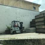 Blumentröge am Bauhof für Bepflanzung aufstellen