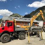 Alte Angergarage Tankstellen-Tanks auspumpen, mit U1600 und Pumpfass
