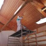 Aufbringen von Schellack als Holz-Oberflächenbehandlung