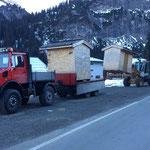 Hüttentransport vom Weihnachtsmarkt Zug zum Weihnachtsmarkt Zürs, mit U1600