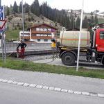 U400 mit Waschbalken, Wassertank füllen bei der Landbrücke