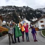 Müllsammelaktion mit der Volksschule - Trupp Flühenweg