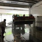 Lader 509 mit Kehrmaschine nach Einsatz Mautstraße Spullersee reinigen