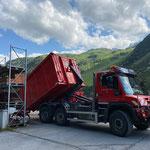 ...Container abrollen am Bauhofdach