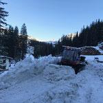 Verschubarbeiten Winterwanderweg Lech-Zürs mit Pistenbully Paana