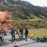 Betonieren Fundament Boulderwürfel Jugendplatz Lech