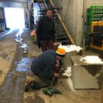 Betonsockel vorbereiten für Beschilderung Winterwanderwege