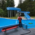 Schwimmbadreinigung mit Saugroboter