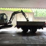 Abladung Bagger vor der Bauhofgarage