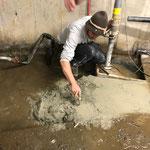 Betonierarbeiten im Technikraum alt