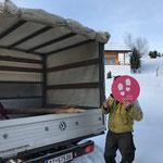 Winterwanderwegschilder montieren in Oberlech