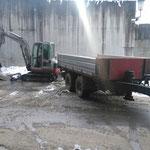 Bauhof Vorplatz, Asphalt schneiden und vorbereiten für Asphaltierungsarbeiten