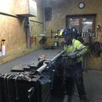 Netzsteher Tunnelportal Oberlech reparieren in der Schlosserei