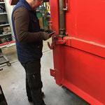 Schneecontainer Adaptierungsarbeiten in der Werkstatt