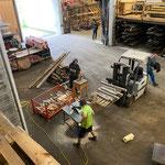 Altholz zu Grillholz verarbeiten in der Bauhofhalle