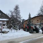 Schneeräumung alte Bundesstraße, mit Steyr 6190 CVT und Hängerfräse