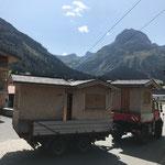 Hüttentransport für Zuger Dorffest, mit U400 und Tandemhänger