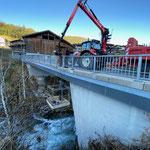 Strom verlegen Brücke Oberstubenbach...