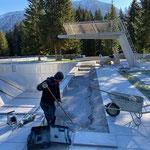 Splittbett vorbereiten für Betonelemente Beckenabdeckung