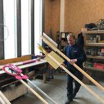 Bauhof aufräumen, Schilder ummontieren