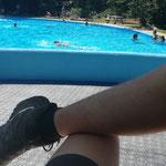 Ein bisschen Abwechslung: anstrengender Nachmittags-Bademeisterdienst im Waldbad Lech