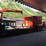 Abladen des neuen Containers