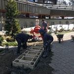 Urnengräber neu, Friedhof: Betonierarbeiten
