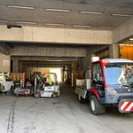 Pylonen entfernen Gehsteige und am Bauhof abladen