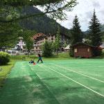 ACCR - Zeltrückbau - Tennisplatz reinigen