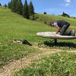 Der Grüne Rätselring: abgerissenen Sonnenuhrzeiger neu montieren