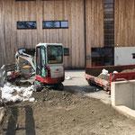 Asphaltierungsarbeiten vorbereiten Feuerwehrhaus