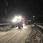 Erste Abschleppaktion der Saison: LKW-Sattel ziehen in Stubenbach