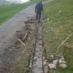 Wegebau: Wassergraben-Instandsetzung am Anger