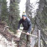 Abtragen der alten Flying Fox Rampe Waldcamp