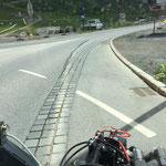 Kreisverkehr Zürs, Kehrmaschineneinsatz