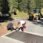 Weideroste reparieren Straßengenossenschaft Spullersee/Formarinsee