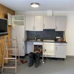 Kameradschaftsraum wieder einräumen nach Einbau neuer Fußboden