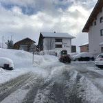 Schneeräumung Gemeindehaus Zürs, mit Holder C70 SC