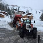Steyr 6190 CVT, Schneehänger kippen