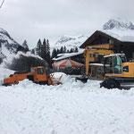 Schneeräumung in Oberlech, mit Schneider Erdbau