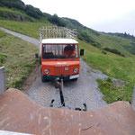 Landwirtschaftshilfe, Abschleppdienst mit Unimog 1600 aufgrund Motorschaden