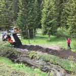 Humus verteilen, Rückbegrünung Baustellenzufahrt