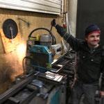 Eisen schneiden für neue Bauhof-Lagerwagen