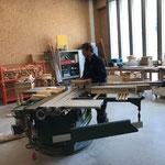 Grillholz schneiden und Tischlerei aufräumen