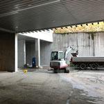 Baggerarbeiten Bauhof-Vorplatz, für Entwässerungsrohr Tank
