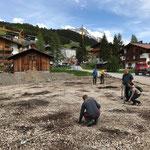 Ausstecken Standorte Betonfundamente Spielgeräte