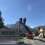 Assistenz mit Drehleiter FF Lech, Straßenbeleuchtung Steuerung tauschen