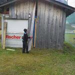 Demontage Fußballplatz Hütte