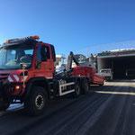 Bagger verladen mit Unimog 530, Oberlech