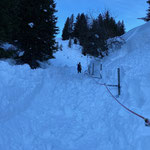 Burgwaldweg, Seilgeländer ausschaufeln und Weg präparieren